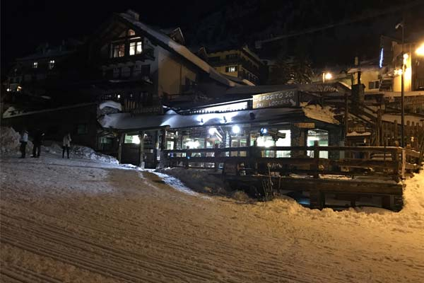 Outside view of Coffee & Food e noleggio Ski lodge